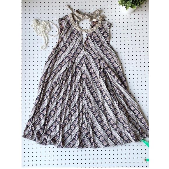 hyku Dresses & Skirts - BOHO HYKU festival dress tie neck flowey hippie